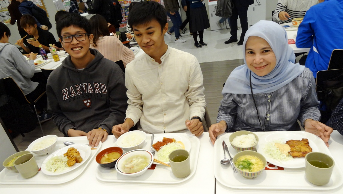 Muslim-Friendly food debuts as a permanent addition to the menu at Osaka Ibaraki Campus OIC Cafeteria