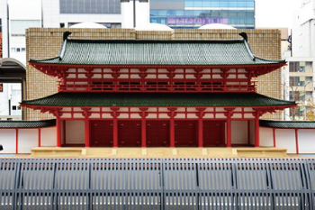 A 1/10 scale model of Rasho-mon Gate outside Kyoto station – relocated 500 m from its original position south west of the station for practical purposes -