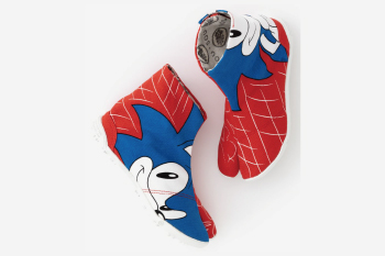 Sonic the Hedgehog themed tabi socks (with sole)