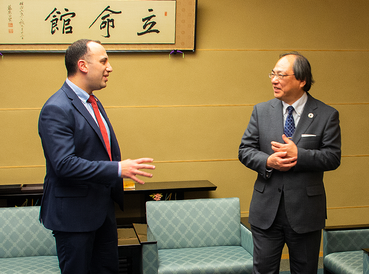 Non-resident Ambassador Spiteri (Graduate School of International Relations – 2010 graduate) and Chancellor Nakatani